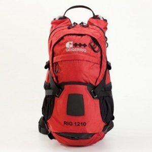 תיק גב מים בצבע אדום מדגם RIG 1210 RED של GEIGERRIG