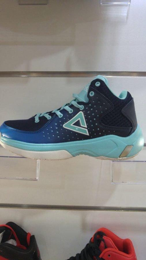 נעלי כדורסל peak